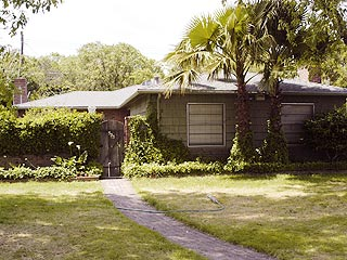 Scott Peterson Home Sells for $379,000