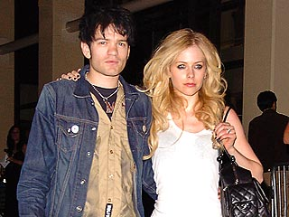 Avril Lavigne Marries Deryck Whibley| Marriage, Avril Lavigne