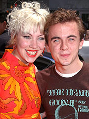 Malcolm's Frankie Muniz Gets Engaged | Frankie Muniz