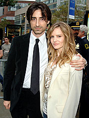 Jennifer Jason Leigh, Director Baumbach Wed | Jennifer Jason Leigh