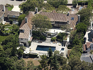 Brad and Jen's House for Sale: $28 Mil| Brad Pitt, Jennifer Aniston