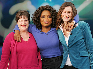 Oprah Hands Over $100,000 Reward Money