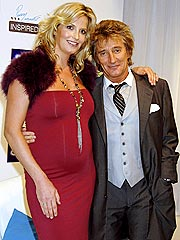 Rod Stewart's Fiancée Gives Birth