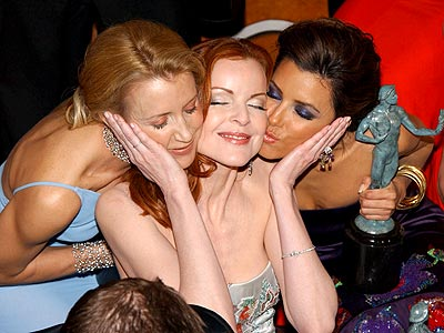 TROPHY WIVES photo | Eva Longoria, Felicity Huffman, Marcia Cross