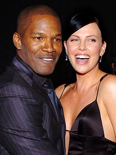 Behind the Scenes at SAG | Charlize Theron, Jamie Foxx