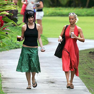 SIBLING REVELRY  photo | Ashlee Simpson, Jessica Simpson