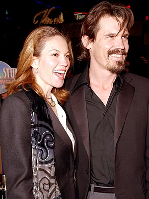 ALL SMILES  photo | Diane Lane, Josh Brolin