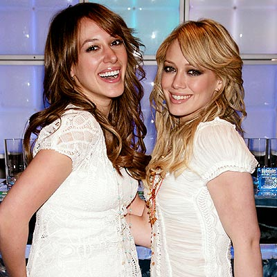 SISTER, SISTER photo | Haylie Duff, Hilary Duff