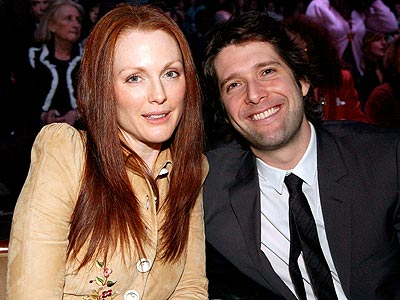RUNWAY RENDEZVOUS photo | Bart Freundlich, Julianne Moore