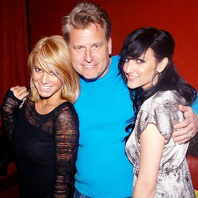 RELATED LINKS photo | Ashlee Simpson, Jessica Simpson, Joe Simpson