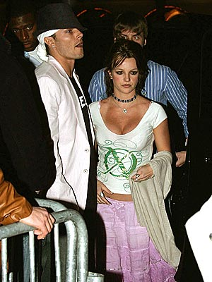 CLOSE ENCOUNTER photo | Britney Spears, Kevin Federline