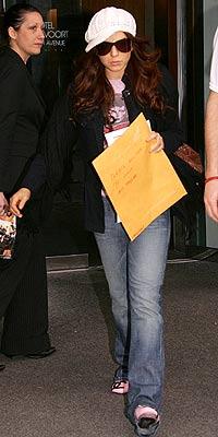 ON THE GO photo   Lindsay Lohan