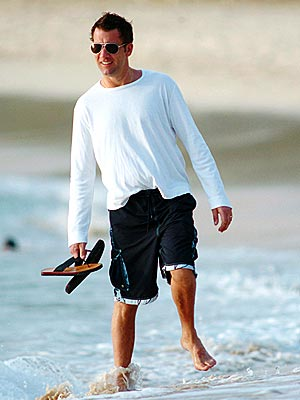 BEACH SCENE photo | Clive Owen