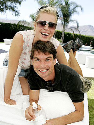 LOUNGE ACT photo | Jerry O'Connell, Rebecca Romijn