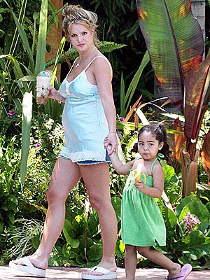 MOMMY TRAINING photo | Britney Spears