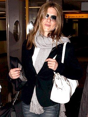 FLY GIRL photo | Jennifer Aniston
