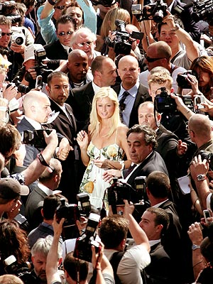 SCENE STEALER photo | Paris Hilton