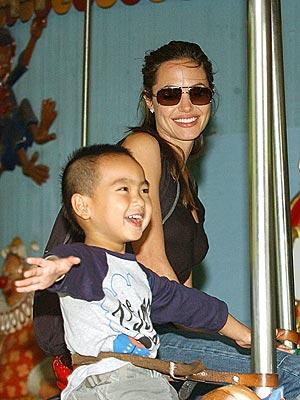 SPIN CITY photo | Angelina Jolie