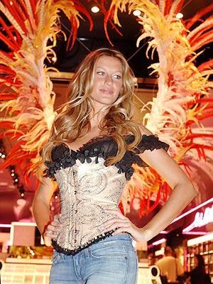 HELL'S ANGEL photo   Gisele Bundchen