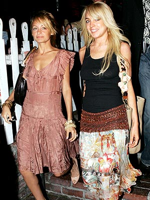 GIRLS' NIGHT OUT photo | Lindsay Lohan, Nicole Richie