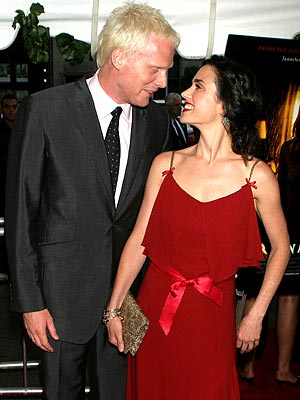 RED CARPET ROMANCE photo | Jennifer Connelly, Paul Bettany