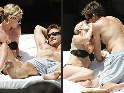 jake gyllenhaal and taylor swift kissing - photo #33
