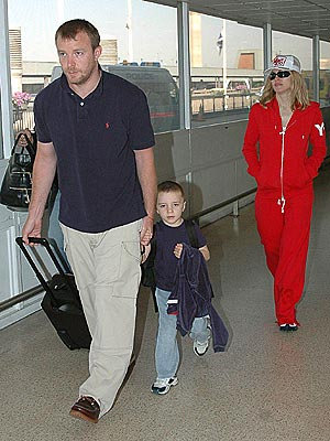 FAMILY TRIP photo | Guy Ritchie, Madonna