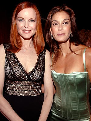 Photo of Teri Hatcher & her friend actress  Marcia Cross - Desperate Housewives