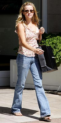 RETAIL THERAPY photo | Reese Witherspoon