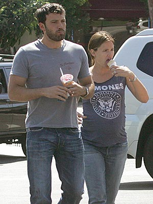 HOLD THE PICKLES photo | Ben Affleck, Jennifer Garner
