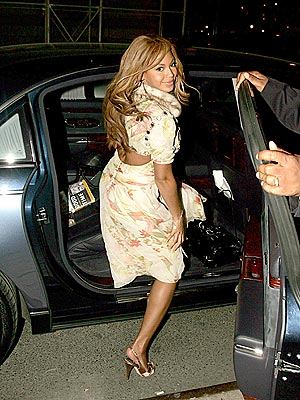 GRACEFUL EXIT photo | Beyonce Knowles