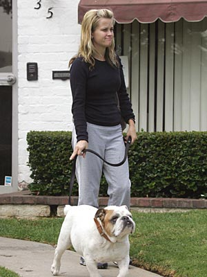DOGGIE DOCTOR VISIT photo | Reese Witherspoon
