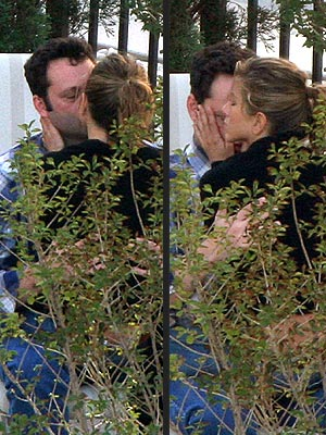 STOLEN MOMENT photo | Jennifer Aniston, Vince Vaughn