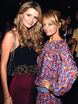 GETTING THEIR 'KICKS' photo | Mischa Barton, Nicole Richie