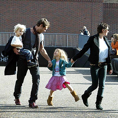 FAMILY DAY photo   Jude Law, Sadie Frost