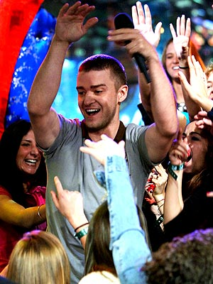 SHOW OF HANDS photo | Justin Timberlake