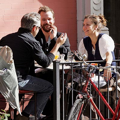TABLE FOR THREE photo | Maggie Gyllenhaal, Peter Sarsgaard