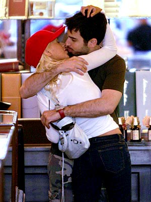 WEDDED BLISS photo | Christina Aguilera, Jordan Bratman