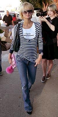 GOT THE MESSAGE? photo   Paris Hilton