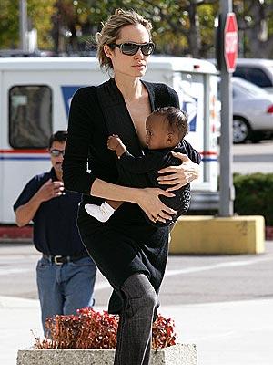HANDS ON photo | Angelina Jolie