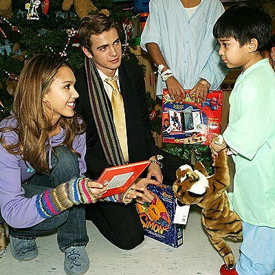SPREADING CHEER photo | Hayden Christensen, Jessica Alba