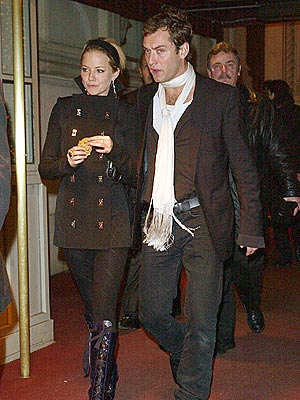 STYLISH NIGHT OUT photo | Jude Law, Sienna Miller