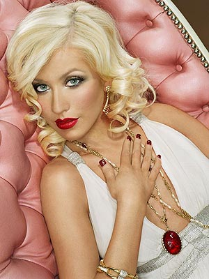 christina aguilera piercing and tattoo