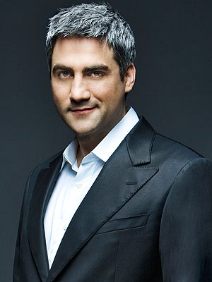 Taylor Hicks - is a singer, songwriter and producer American music Taylor_hicks1_300_400