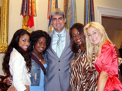 PRESIDENTIAL SWEET photo | Kellie Pickler, Lisa Tucker, Mandisa, Paris Bennett, Taylor Hicks