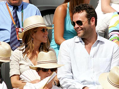 MOVING ON photo | Jennifer Aniston, Vince Vaughn