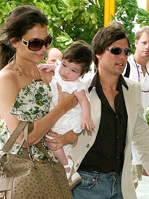 KATIE, TOM & SURI photo | Katie Holmes, Tom Cruise