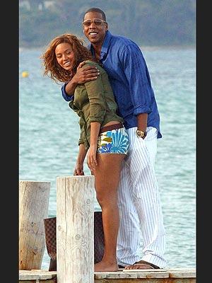 Beyonce  Beach on Star Couples  Beach Style   Beyonc     Jay Z   Beyonce Knowles  Jay Z