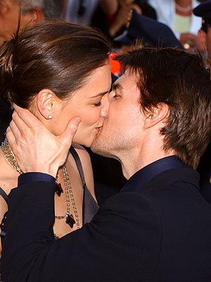 10. THEIR 'EXTRAORDINARY' DEBUT photo | Katie Holmes, Tom Cruise