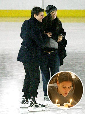 8. HER BIRTHDAY ON ICE  photo | Katie Holmes, Tom Cruise